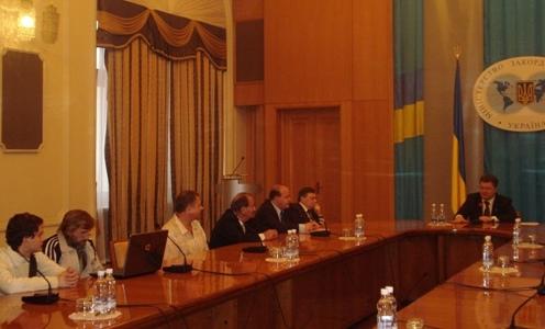Україна зустріла з любов'ю своїх громадян