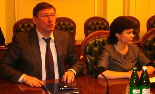 Фотозвіт з прес-конференції лідерів парламентських опозиційних сил на тему: «Створення об`єднаної парламентської опозиції для захисту України» - без коментарів